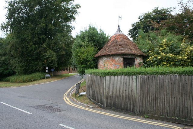 'Building in the garden...near to Pangbourne'