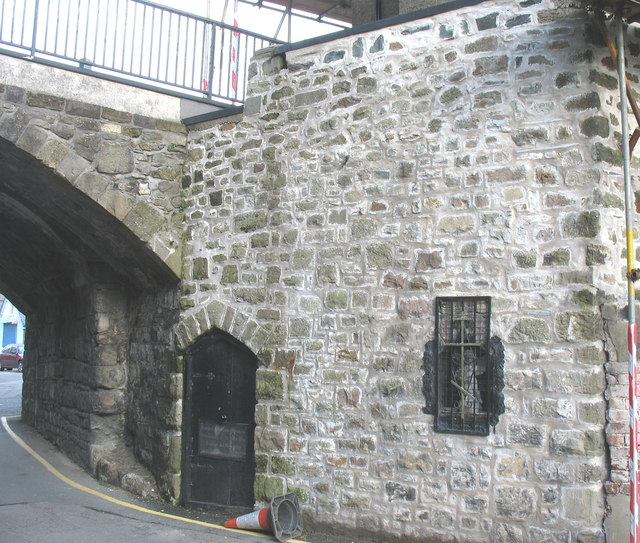 The Eastern Orthodox Chapel of SS Peter & Paul beneath East Gate Bridge This must be one of the smallest chapels in Britain. It used to be the town's lockup, with enough room to provide a night's lodging for about two prisoners. A wedding was celebrated here a few years ago.