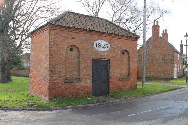 Tuxford lock-up, exterior