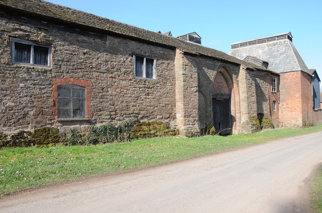Old farm buildings, Bosbury