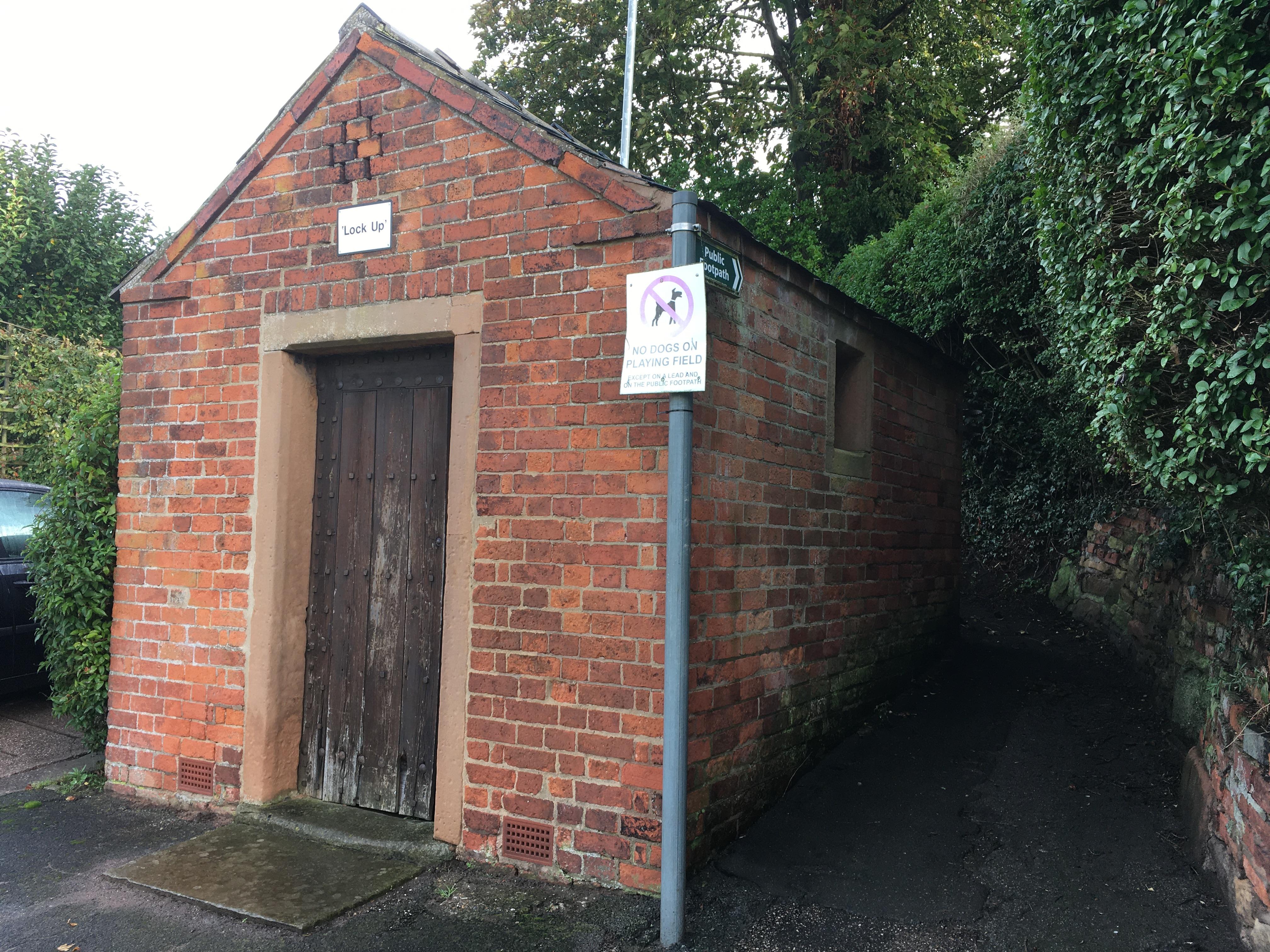Farnsfield lock-up, exterior