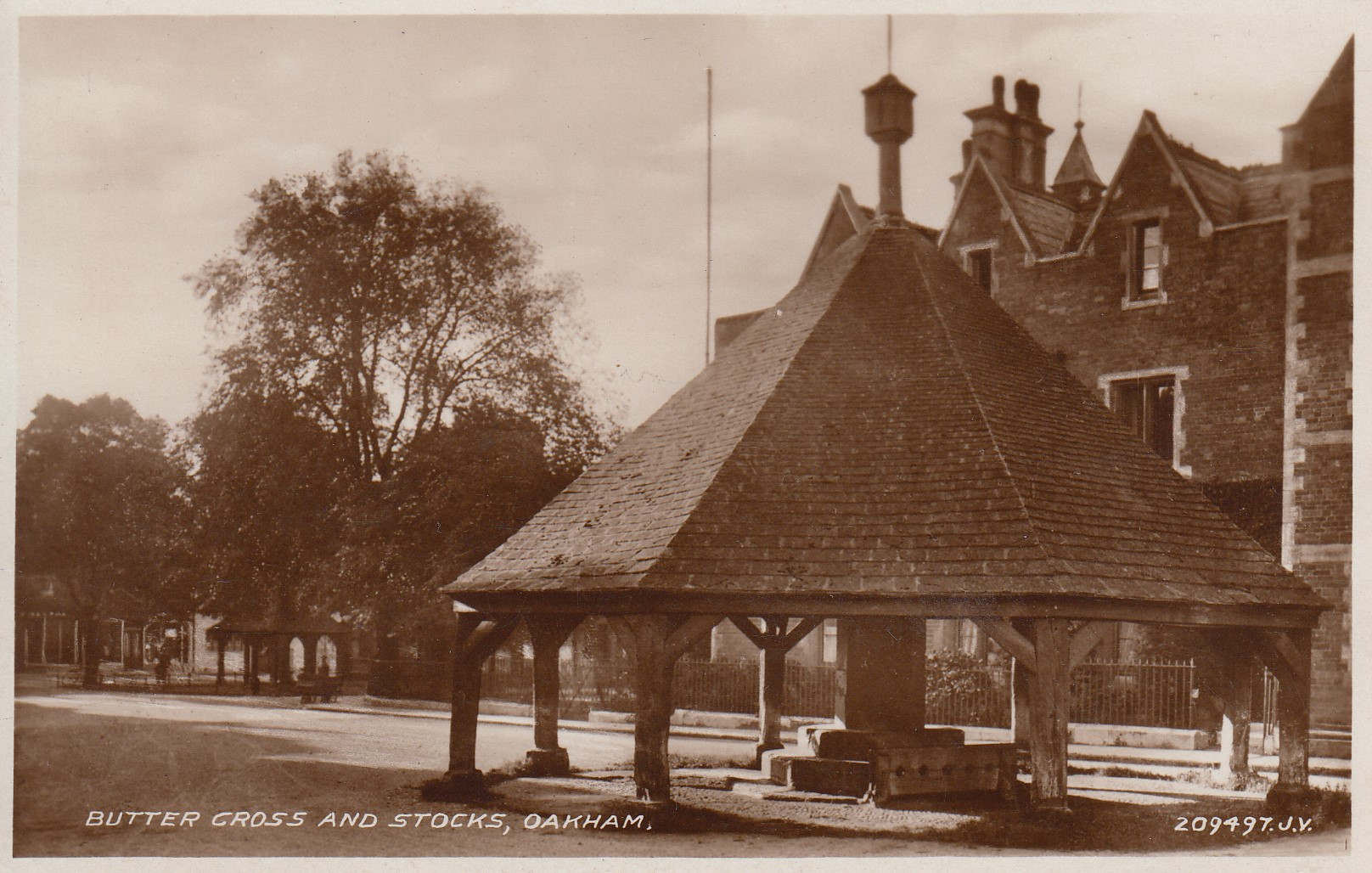 Butter Cross and Stocks, Oakham (Unknown date.  Printed by Valentine's Post Cards)