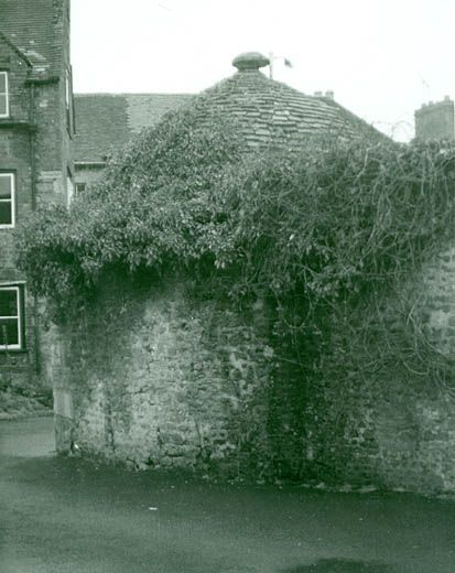 Photograph, stone lock-up to south east of Obelisk House, Warminster, Wiltshire, 1960s?