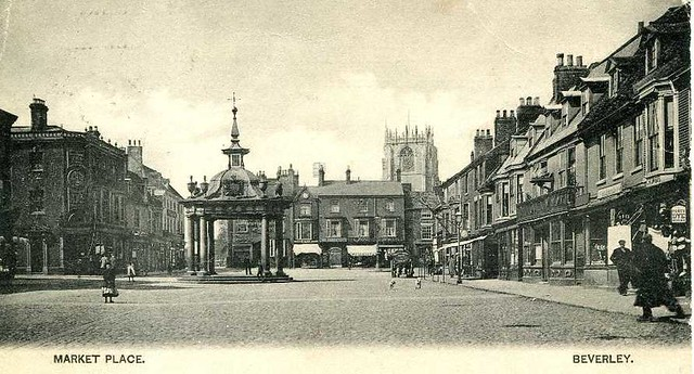 Market Place, Beverley c.1900s (archive ref PO-1-14-326)