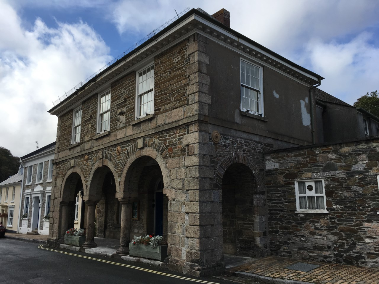 Plympton Erle, Guildhall, exterior from side
